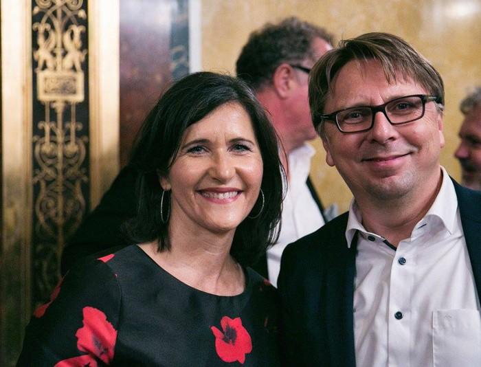 Künstlerin Erika Pluhar und langjährigen Redakteur der kleinen Zeitung, Frido Hütter 10