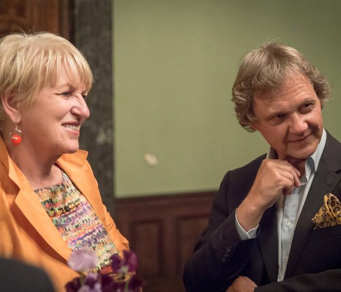 Matthias Strolz, Parteivorsitzender der NEOS, und der Informationsdirektorin der Sendergruppe ProSiebenSat.1PULS 4 GmbH Corinna Milborn 8