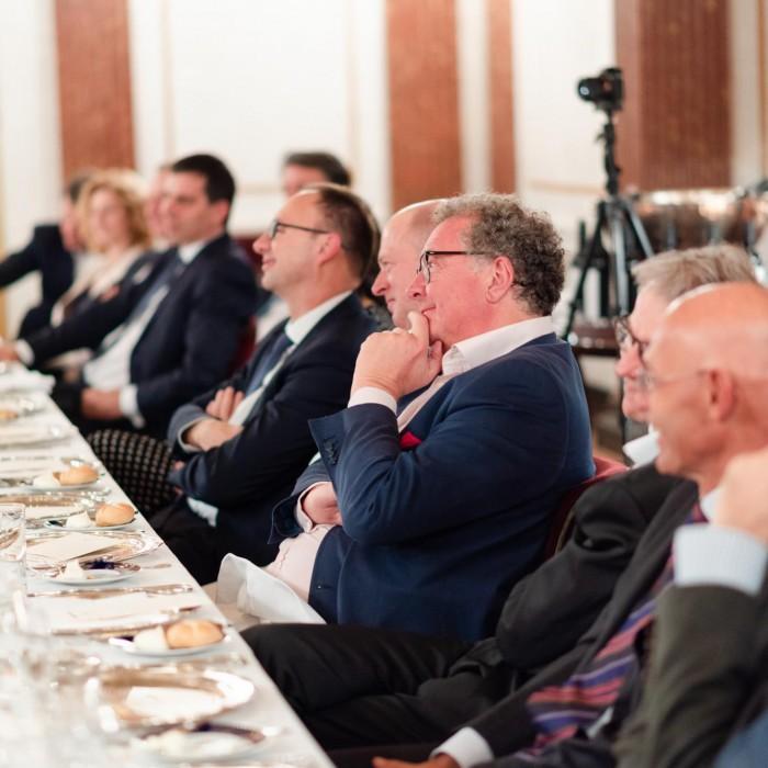 Dr. Georg Wailand und Bundesminister Hartwig Löger 21