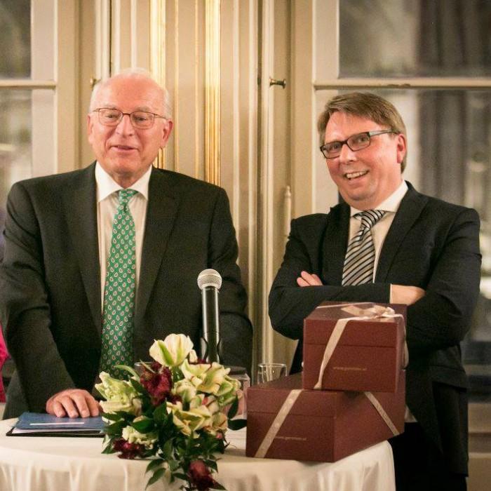 ORF-Chefredakteur Fritz Dittlbacher und ÖNB-Präsident Claus Raidl 24